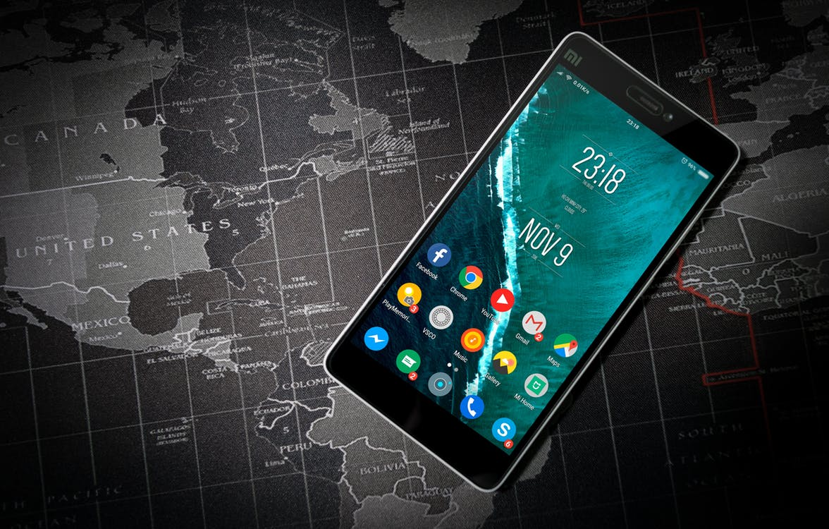 What justifies Xiaomi's proposed IPO valuation of US$100